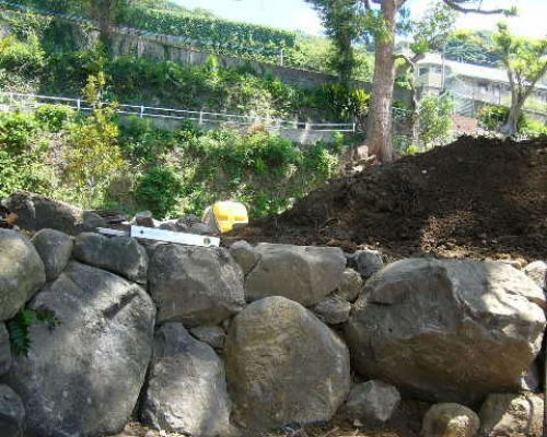 ⑥多量の石が利用出来ました。